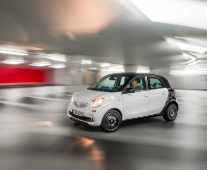2015-Smart-ForTwo-ForFour-11