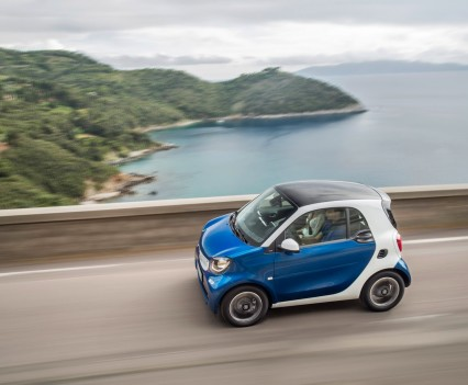 2015-Smart-ForTwo-ForFour-16