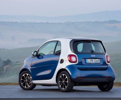 2015-Smart-ForTwo-ForFour-18