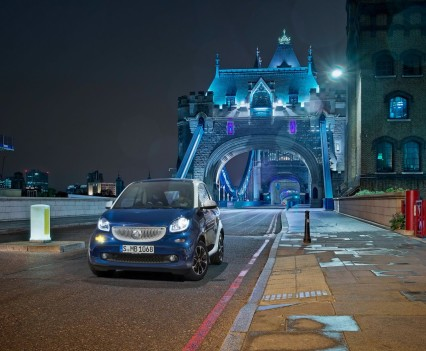 2015-Smart-ForTwo-ForFour-28