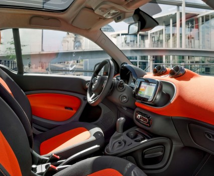 2015-Smart-ForTwo-ForFour-34