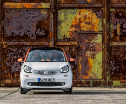 2015-Smart-ForTwo-ForFour-4