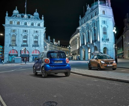 2015-Smart-ForTwo-ForFour-46