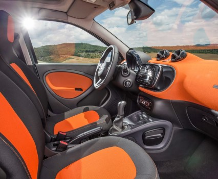 2015-Smart-ForTwo-ForFour-68