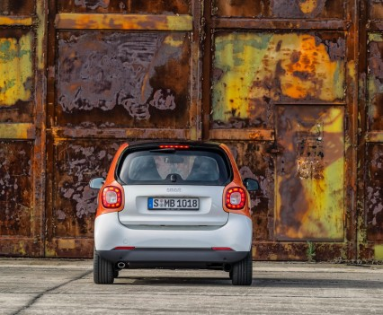 2015-Smart-ForTwo-ForFour-7