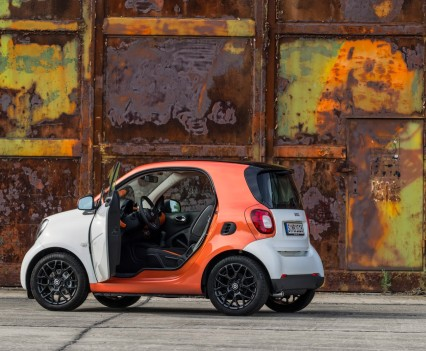 2015-Smart-ForTwo-ForFour-83