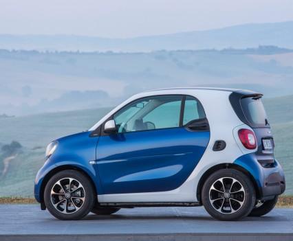 2015-Smart-ForTwo-ForFour-86