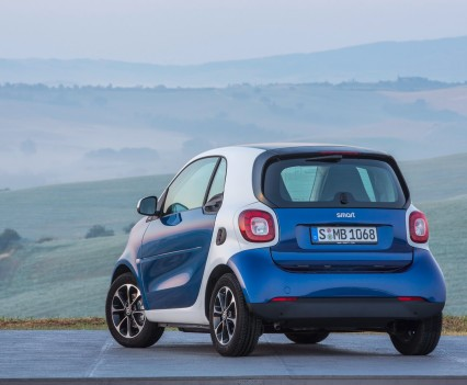 2015-Smart-ForTwo-ForFour-87
