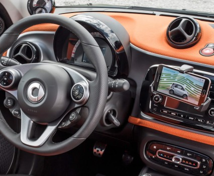 2015-Smart-ForTwo-ForFour-92