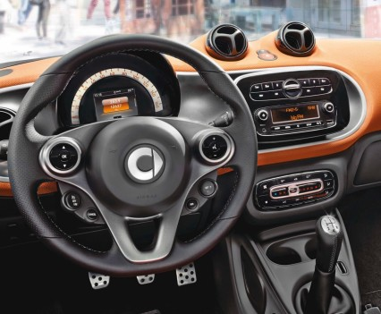 2015-Smart-ForTwo-ForFour-94