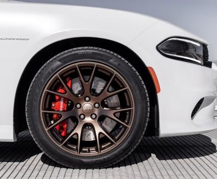 2015-Dodge-Charger-Hellcat-SRT-101