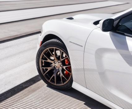 2015-Dodge-Charger-Hellcat-SRT-103