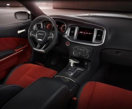 2015-Dodge-Charger-Hellcat-SRT-111