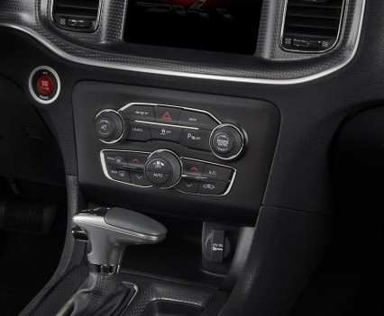 2015-Dodge-Charger-Hellcat-SRT-112