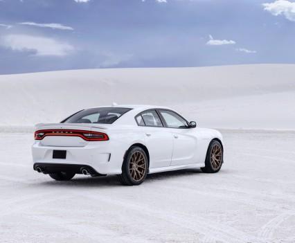 2015-Dodge-Charger-Hellcat-SRT-15