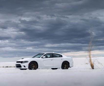 2015-Dodge-Charger-Hellcat-SRT-16
