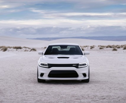 2015-Dodge-Charger-Hellcat-SRT-18