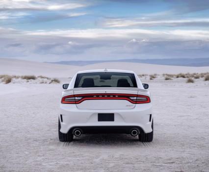 2015-Dodge-Charger-Hellcat-SRT-19