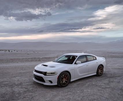 2015-Dodge-Charger-Hellcat-SRT-21