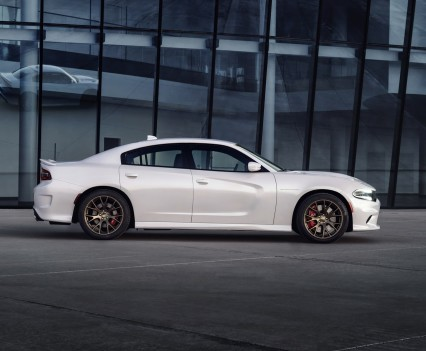 2015-Dodge-Charger-Hellcat-SRT-31