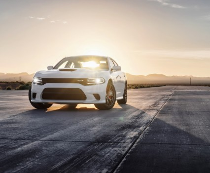 2015-Dodge-Charger-Hellcat-SRT-35