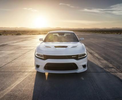 2015-Dodge-Charger-Hellcat-SRT-37