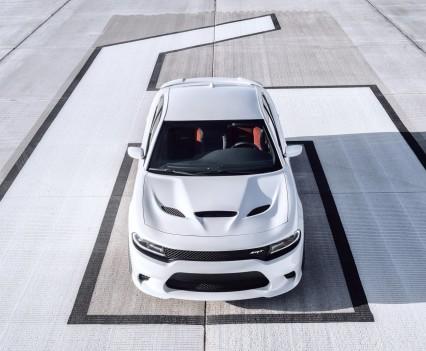 2015-Dodge-Charger-Hellcat-SRT-43