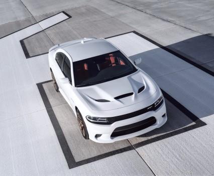 2015-Dodge-Charger-Hellcat-SRT-44