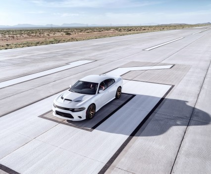 2015-Dodge-Charger-Hellcat-SRT-45