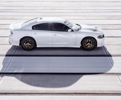 2015-Dodge-Charger-Hellcat-SRT-46