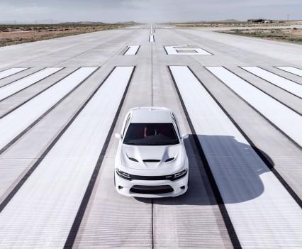 2015-Dodge-Charger-Hellcat-SRT-47