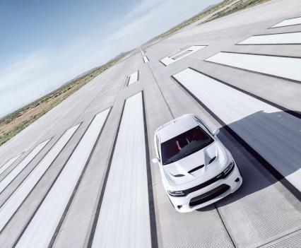 2015-Dodge-Charger-Hellcat-SRT-48