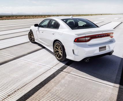 2015-Dodge-Charger-Hellcat-SRT-50