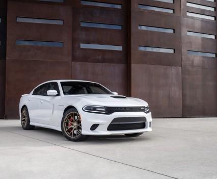 2015-Dodge-Charger-Hellcat-SRT-61