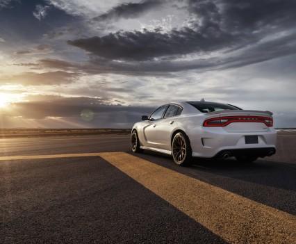 2015-Dodge-Charger-Hellcat-SRT-65