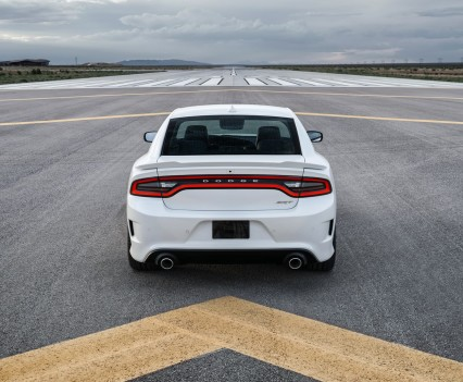2015-Dodge-Charger-Hellcat-SRT-67