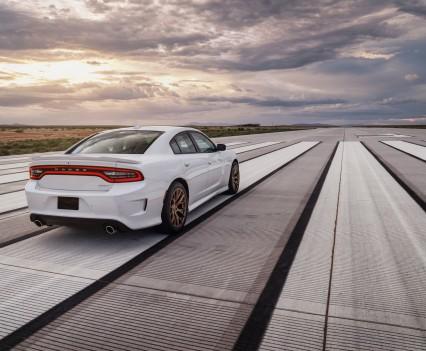 2015-Dodge-Charger-Hellcat-SRT-69