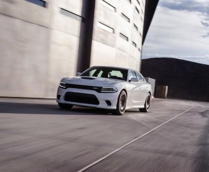 2015-Dodge-Charger-Hellcat-SRT-75