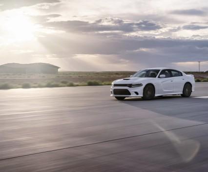 2015-Dodge-Charger-Hellcat-SRT-78