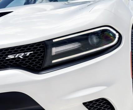 2015-Dodge-Charger-Hellcat-SRT-85