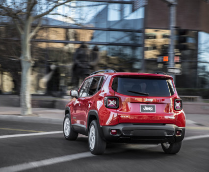 2015-Jeep-Renegade-12