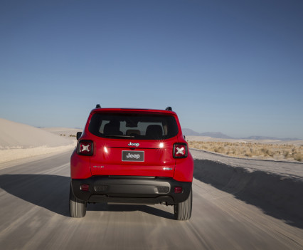 2015-Jeep-Renegade-15