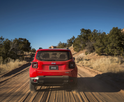 2015-Jeep-Renegade-28