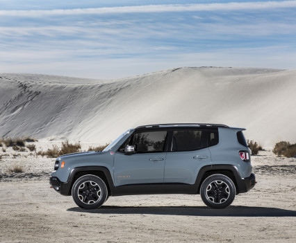 2015-Jeep-Renegade-37