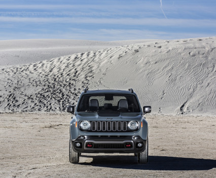 2015-Jeep-Renegade-38