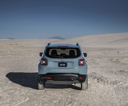 2015-Jeep-Renegade-40