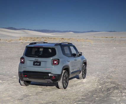 2015-Jeep-Renegade-41