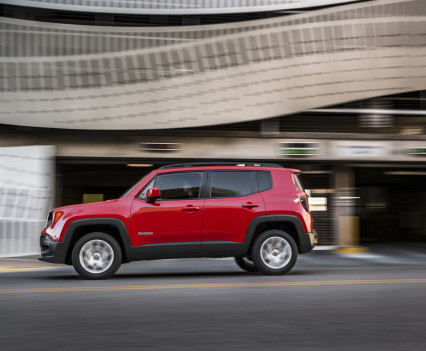 2015-Jeep-Renegade-43