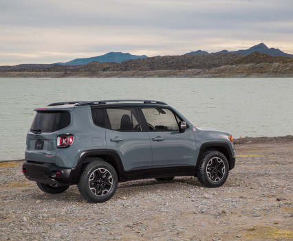 2015-Jeep-Renegade-48