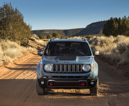 2015-Jeep-Renegade-52
